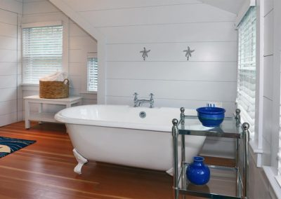 Vath-Higgins-Cape-Cod-Bathroom-4